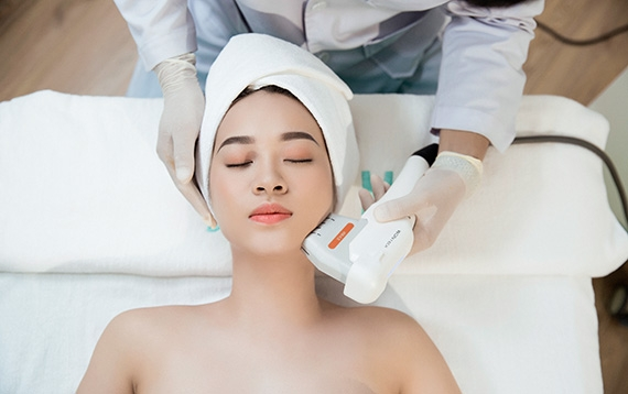Trẻ hóa da nâng cơ mặt xóa nhăn với công nghệ HIFU Ultra 3S 4