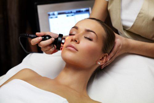 Giảm thâm và bọng mắt với công nghệ RF đa cực kết hợp cùng tinh chất collagen 3