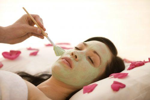 Massage thư giãn kết hợp đắp mặt nạ nằm đèn ánh sáng sinh học 5